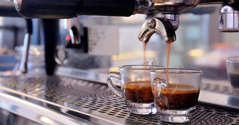 1285_caffe-bar-moreno1