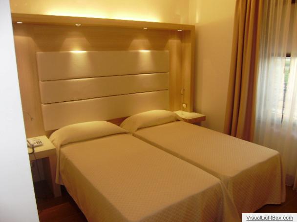Screenshot-2018-4-24-Hotel-Ristorante-AI-DUE-LEONI-Farra-dIsonzo2